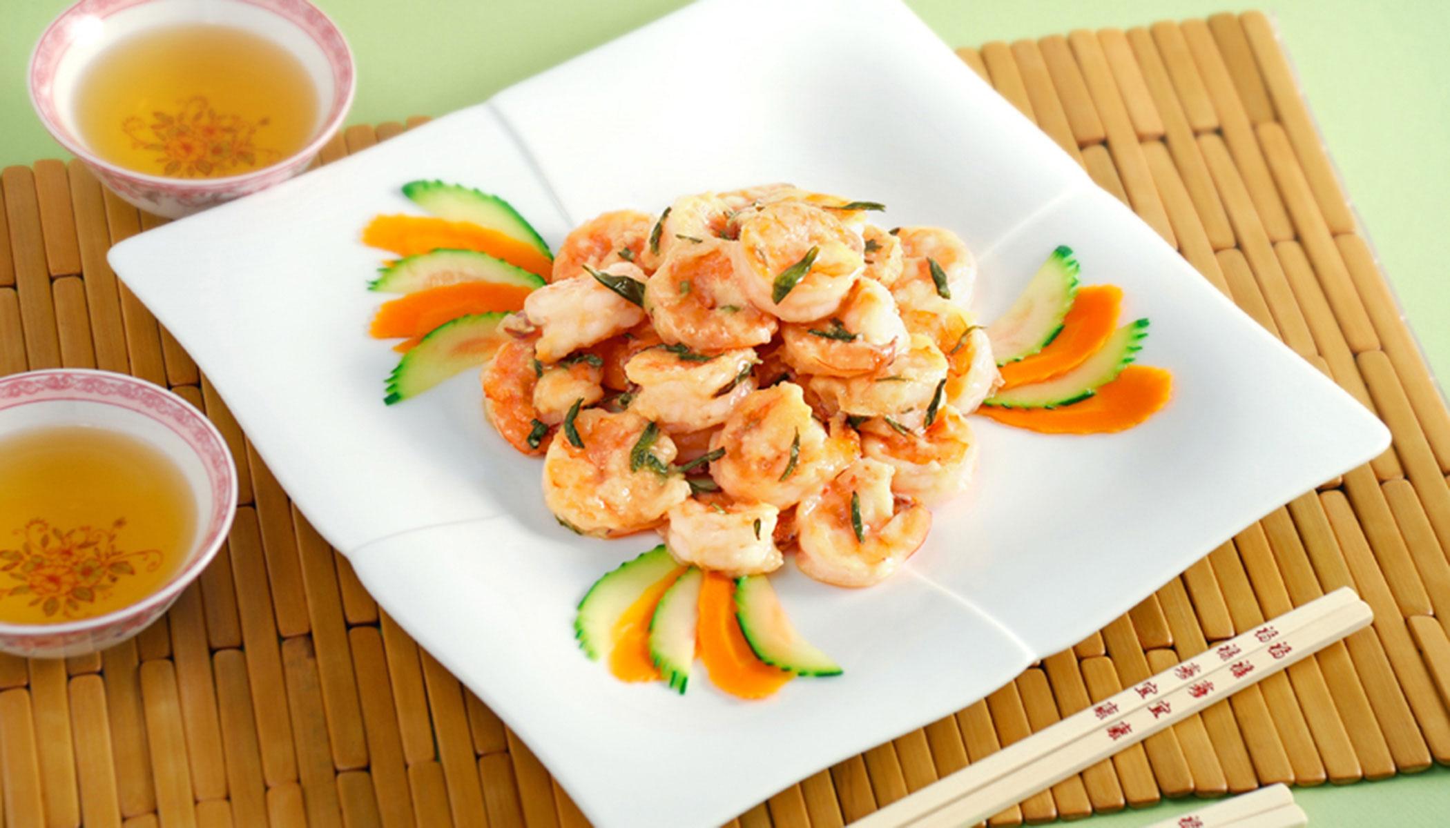 Dragon Well Shrimp (Stir-Fried Shrimp with <i>Longjing</i> Tea)
