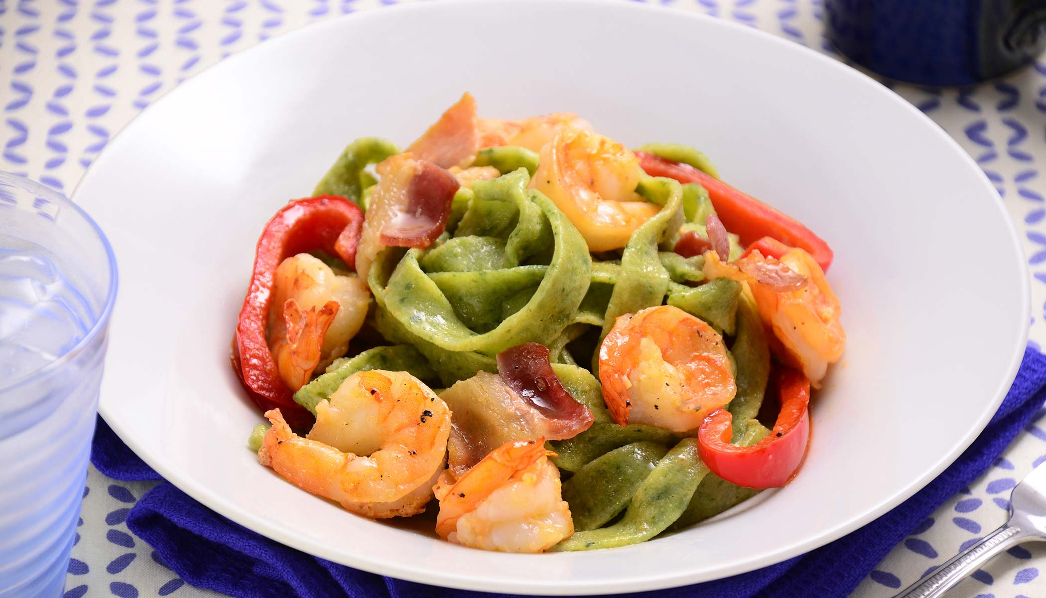 Spinach Fettuccine with Bacon and Shrimp
