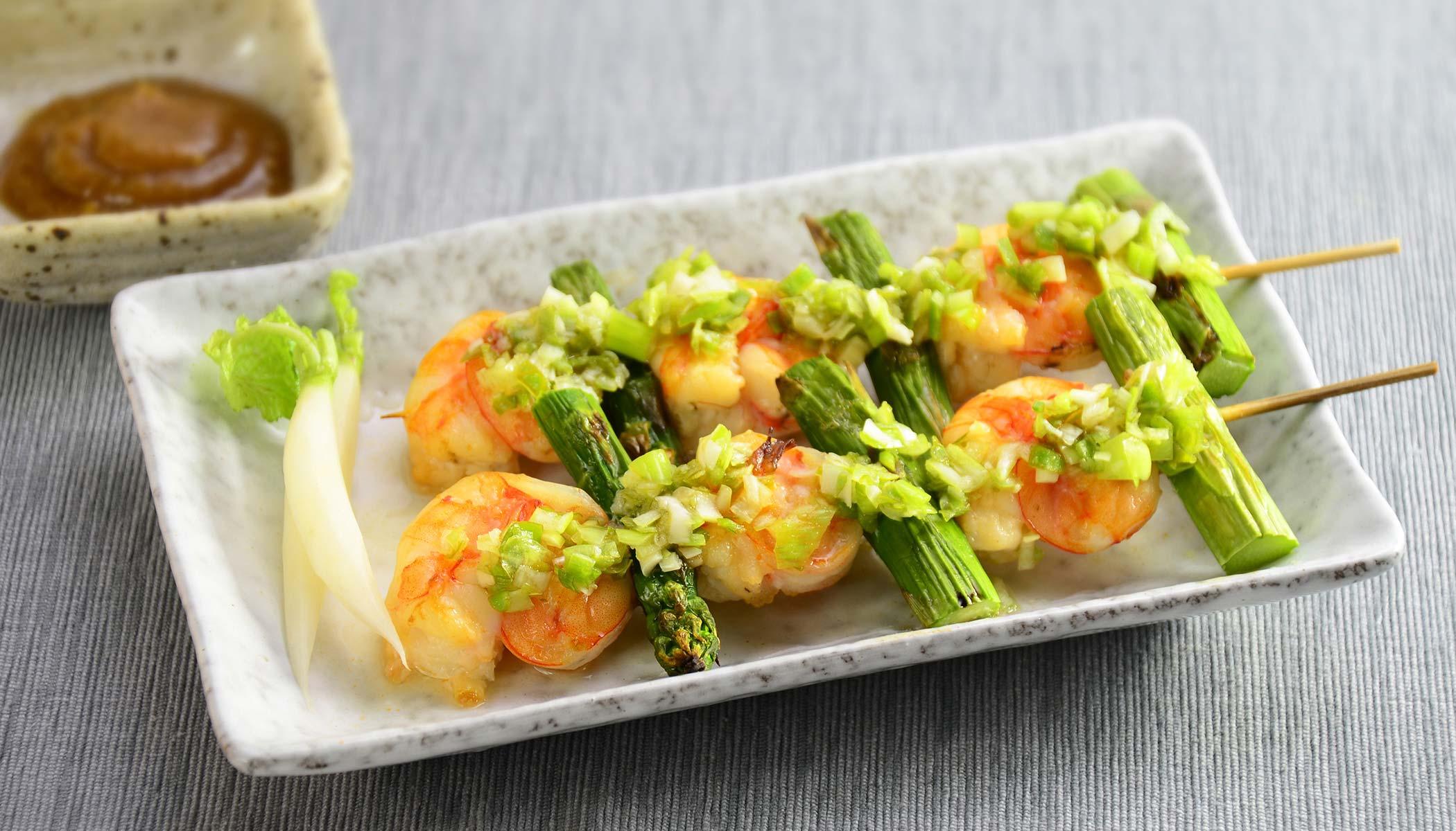 Crunchy Asparagus and Shrimp Skewers