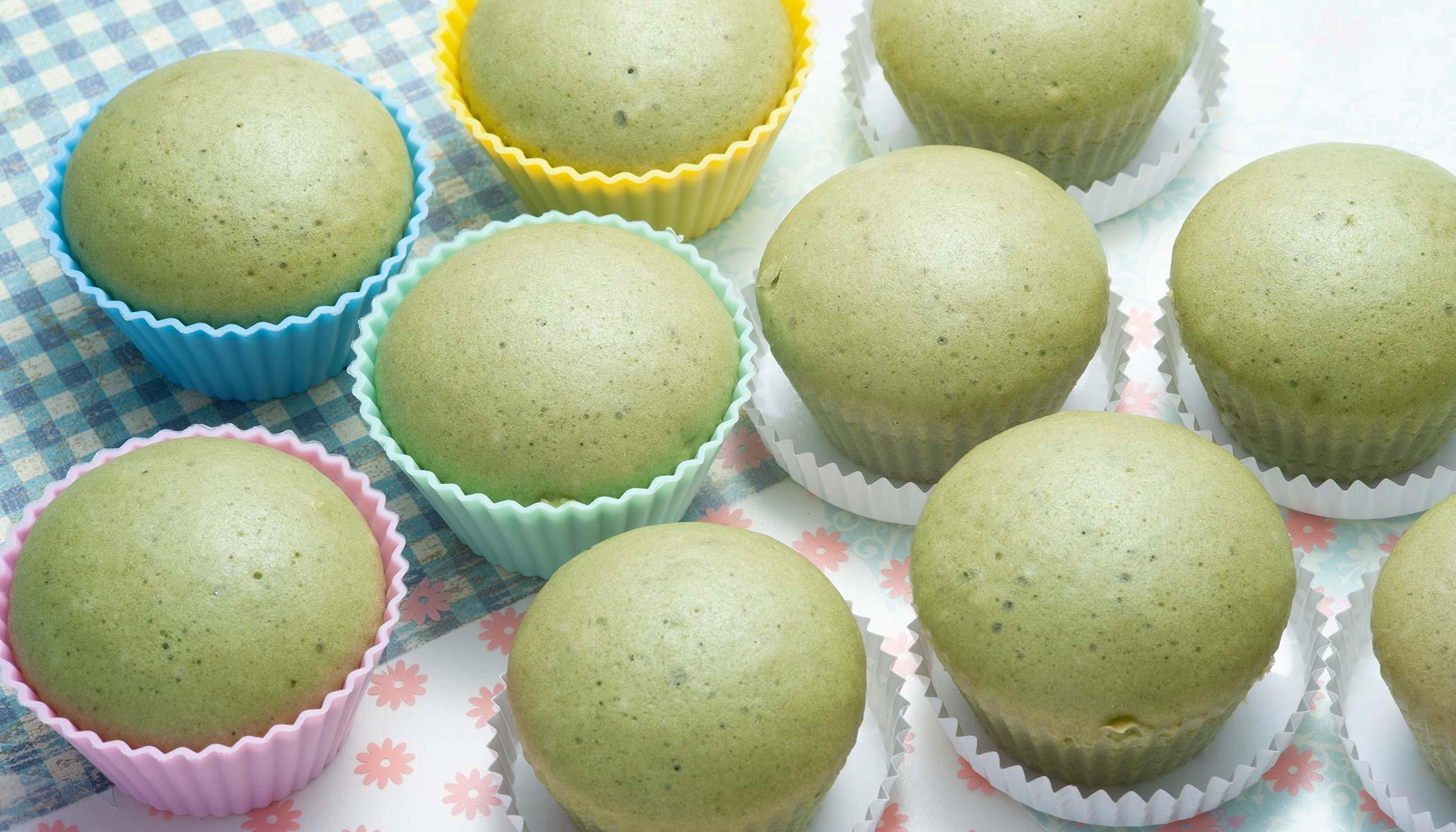 <i>Matcha</i> (Powdered Green Tea) Steamed Cake