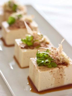 Hiyayakko--cold tofu