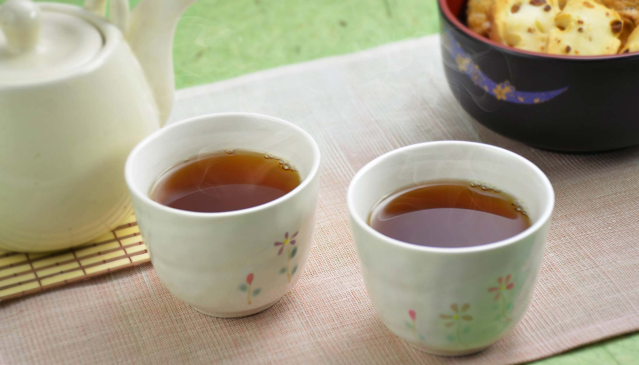 Japanese Roasted Tea (<i>Houjicha</i>)