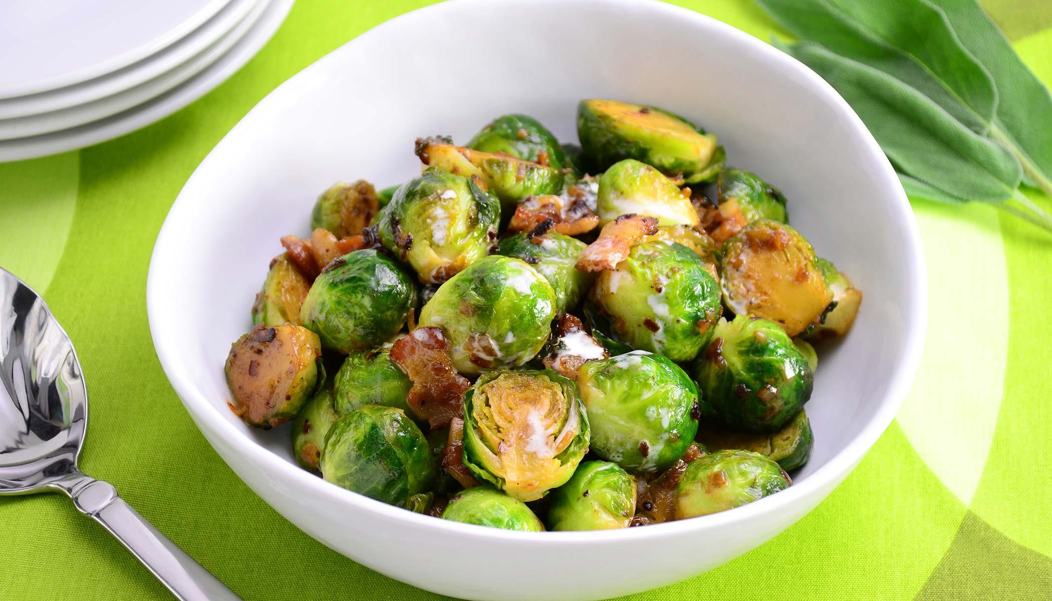 <i>Choux de Bruxelles au Bacon et &agrave; la Cr&egrave;me</i> (Creamed Brussels Sprouts with Bacon)