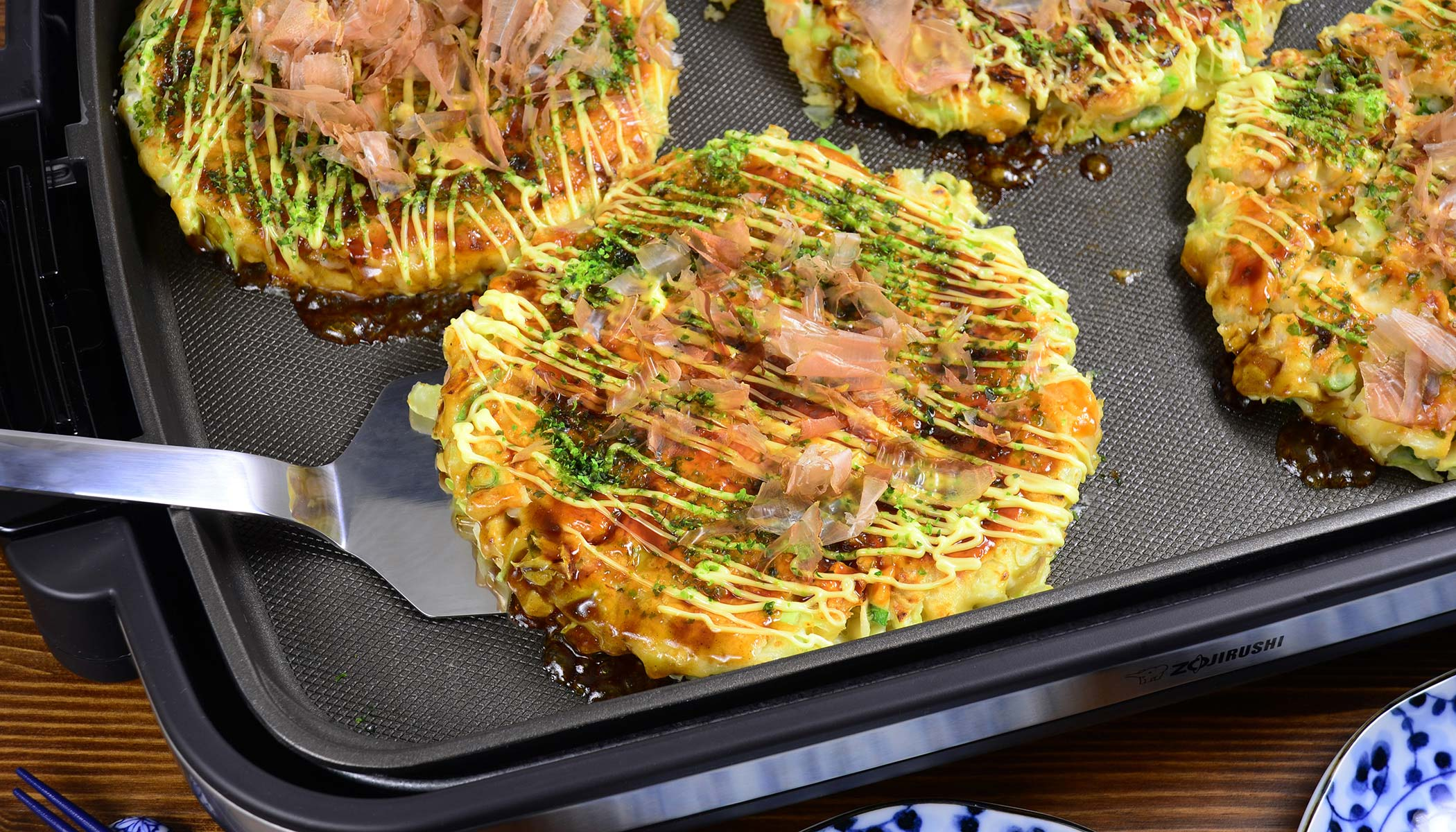 <i>Okonomiyaki</i> with Shrimp, <i>Kansai</i>-Style