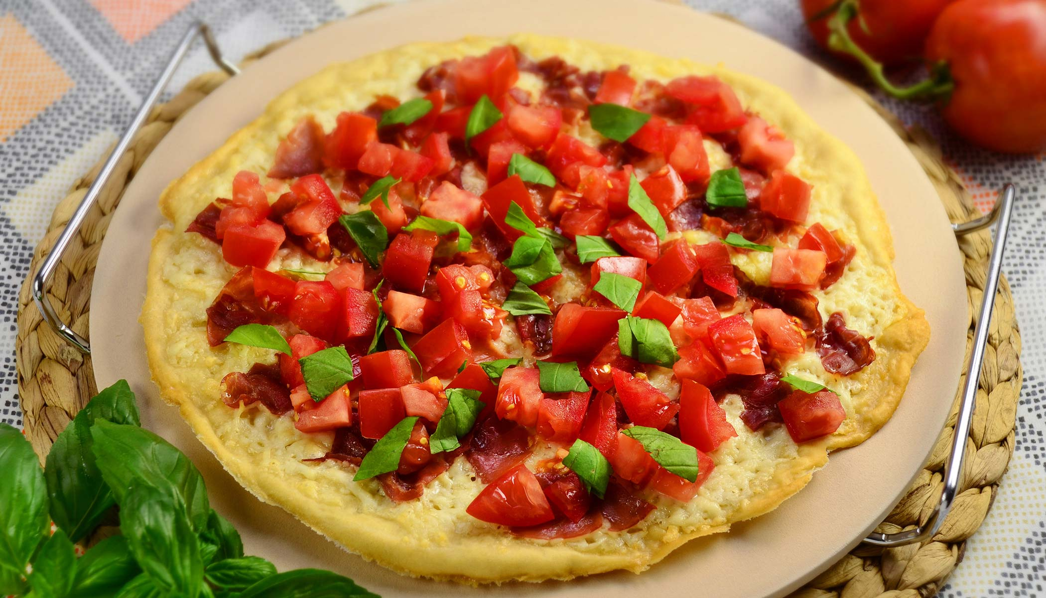 Pizza - Tomato & Basil Appetizer Style (Thin Crust)