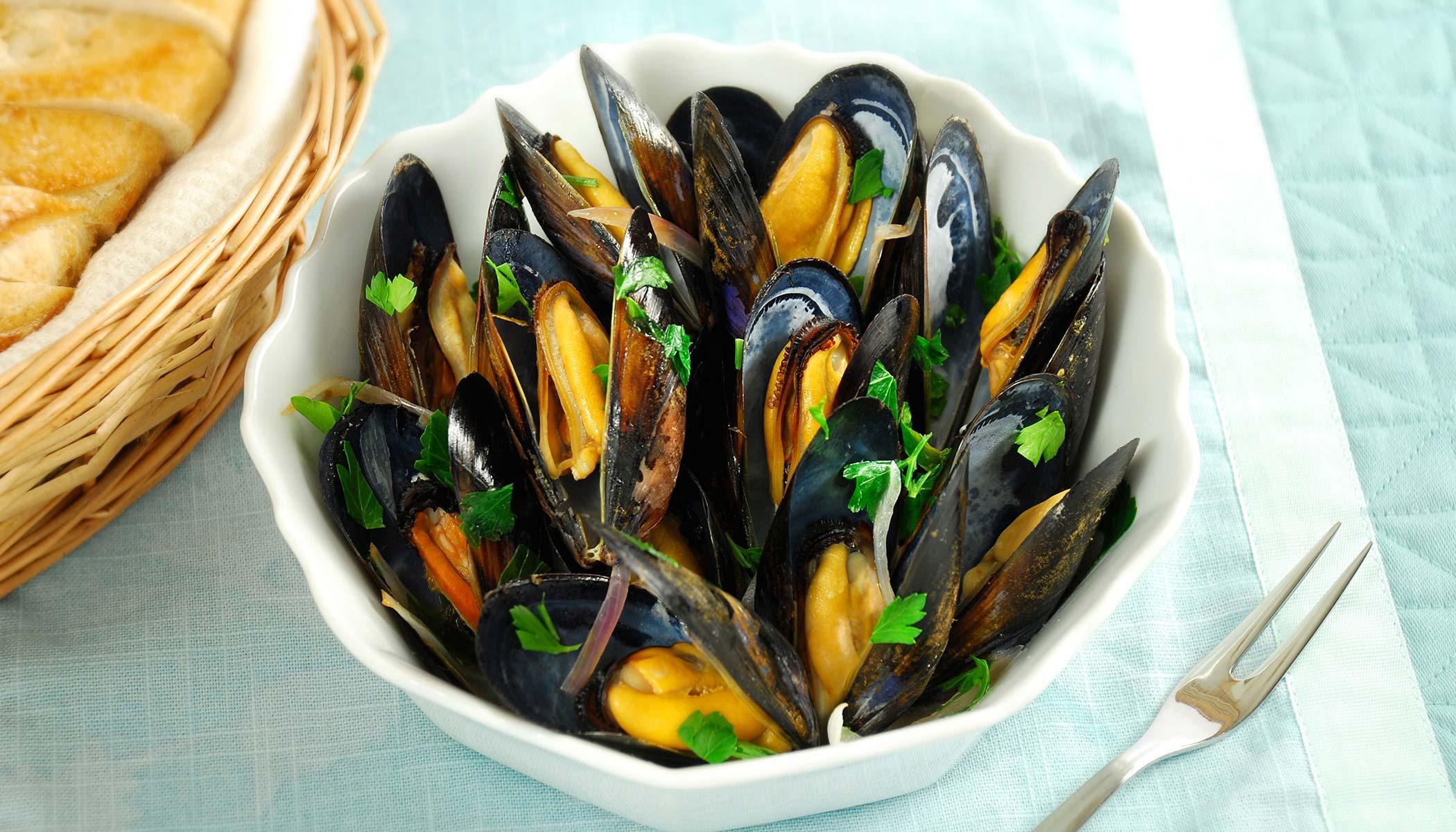 <i>Moules au Vin Blanc</i> (Belgian Mussels)